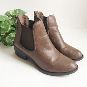 """SODA • Brown Ankle Boots with 2"""" heel, size 7"""